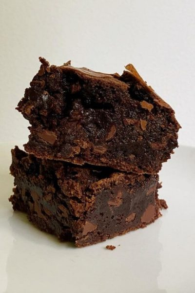 Stack of 2 chocolate brownies