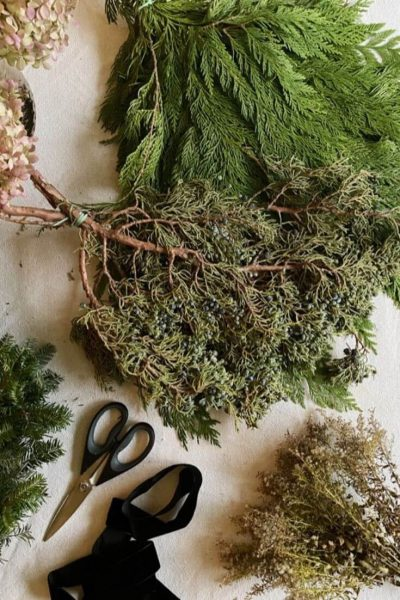 Easy DIY Christmas Wreath Materials