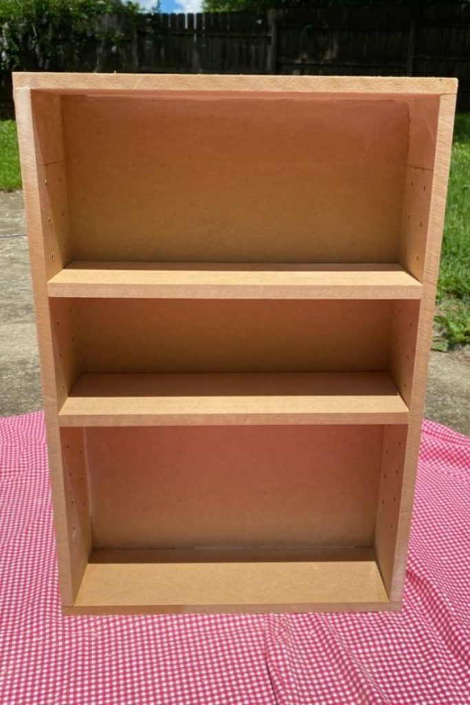 Medicine cabinet with 2 shelves built out of MDF